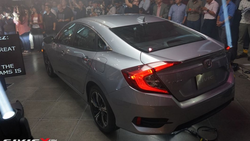All-New-Civic-2016-13
