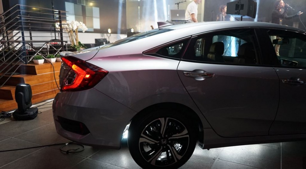 All-New-Civic-2016-8